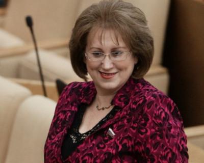 Депутату Госдумы не хватает своей зарплаты в 380 000 рублей