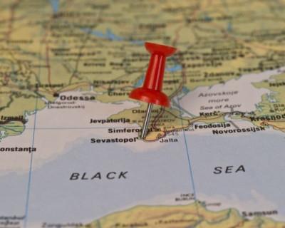 Радикалы разгромили кафе из-за карты Украины без Крыма