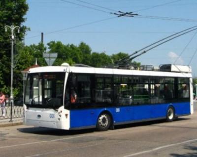 Правительство Севастополя утверждает, что водитель троллейбуса зарабатывает 45 тысяч рублей