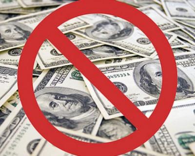 Владимир Путин согласился отказаться от долларов в России