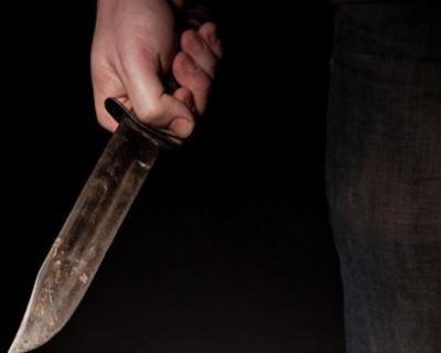 В Севастополе мужчина зарезал насмерть собаку на глазах у хозяйки