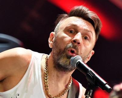 Сергея Шнурова избил неизвестный фанат (ФОТО)