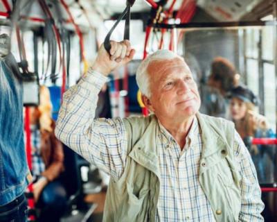 Надо ли менять старые пенсионные удостоверения для проезда в общественном транспорте Севастополя?