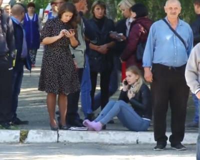 Видео первых секунд после массового убийства в Керчи (ВИДЕО)