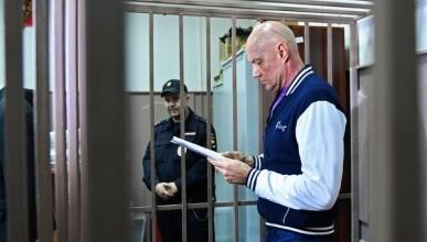 Суд отправил под стражу на два месяца заместителя главы Крыма Виталия Нахлупина
