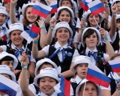Чтобы преуспеть в жизни, россиянам в первую очередь не хватает денег