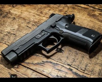 Застрахует ли легализация пистолетов от повторения бойни в Керчи?