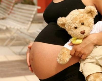 В Москве школьница забеременела в 12 лет. Будущий папаша помогал ей делать уроки