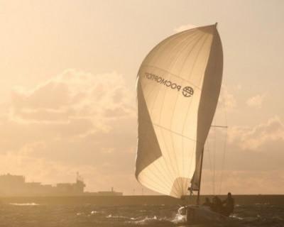 «По волнам»: в Севастополе стартовали крейсерские и парусные гонки (ФОТО)