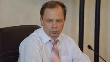 Депутат Севастополя Кулагин от СМИ прикрылся охранником Алтабаевой