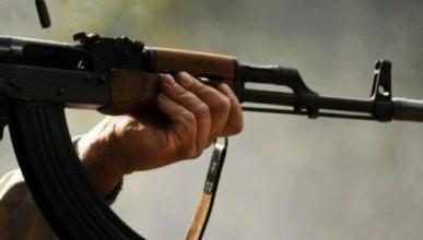 После трагедии в Керчи старшеклассники ходили по классам с автоматами. Слышны звуки стрельбы (ВИДЕО)