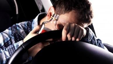 ГИБДД требует отбирать права у алкоголиков и наркоманов