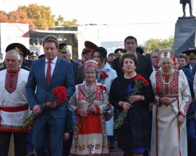Как Севастополь отмечает День народного единства (ФОТО)