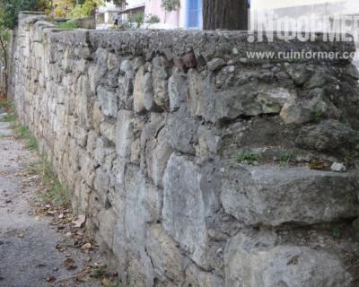 В Севастополе рушатся подпорные стены