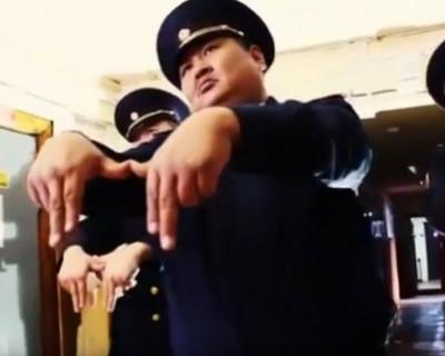 Российские полицейские из Якутии взорвали Интернет танцевальным клипом (ВИДЕО)