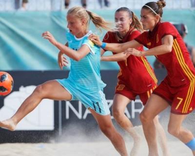 Севастопольская спортсменка играет в пляжный футбол лучше всех женщин в мире