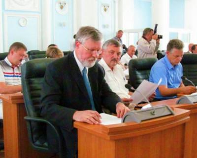 Депутаты Заксобрания Севастополя перепутали законы и блокируют работу