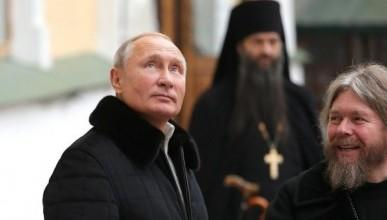 Владимир Путин посетил монастырь и спускался в пещеры (ФОТО)