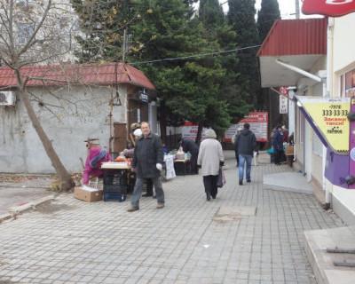 Правительство Севастополя не позволит продавать на т.н. «Сталинградском рынке» рыбу вперемешку с клубникой