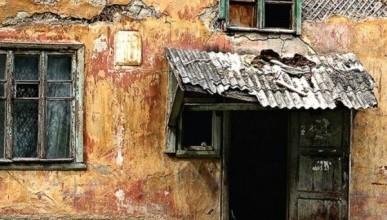 Сколько ветхих домов, в которых не живут севастопольцы, планируется снести?