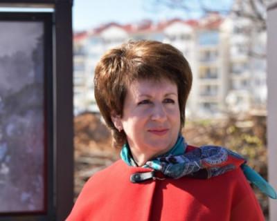 Алтабаева хочет превратить парламент в режимный объект и спрятаться от севастопольцев за колючей проволокой?
