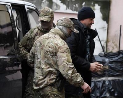 Арестованные украинские моряки устали от  «Русского радио» и отсутствия табака