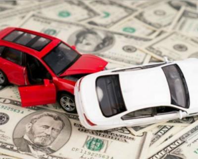Молодежь Петербурга разводит автовладельцев на деньги