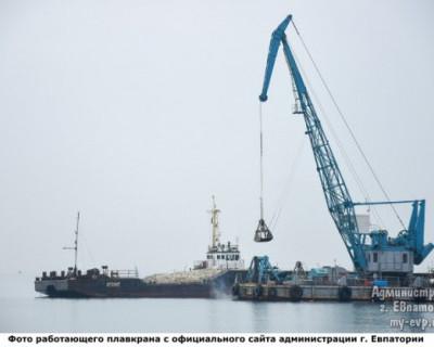 В Крыму принесли в жертву Посейдону плавкран