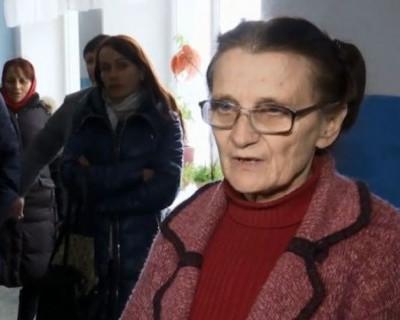 На Украине учительница взяла в заложники детей!