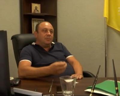Чиновник на Украине избил стариков, которые пришли к нему на прием (ВИДЕО)