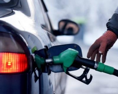 Стало известно о том, на сколько вырастут цены на бензин в России