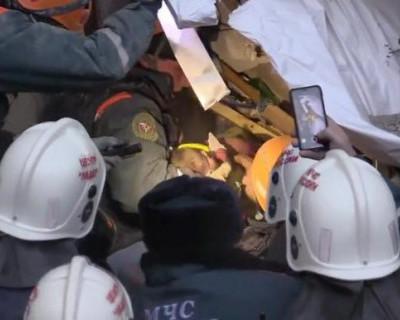 Стали известны новые подробности спасения из-под завалов малыша в Магнитогорске