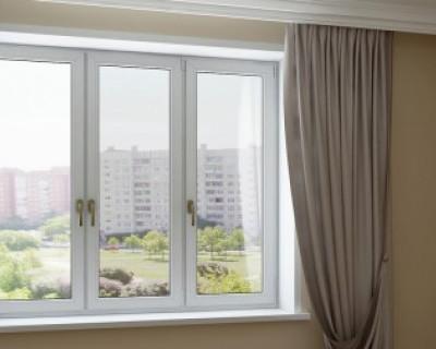 Россиян заставят заменить пластиковые окна в квартирах