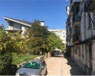 Придомовая территория в центре Севастополя продается без ведома жильцов (ДОКУМЕНТЫ)