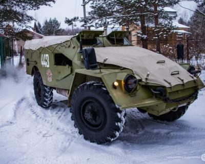 Россиянин поразил немцев  «прогулкой» по лесу на броневике (ВИДЕО)