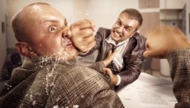 Депутата «Единой России» Сергея Аксёнова обвинили в избиении