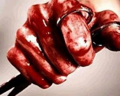Мать пыталась убить 10-месячного сына ножницами и кровью нарисовала крест