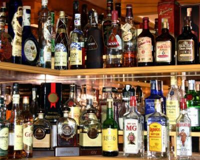 Заплати 65 тысяч рублей и торгуй в Крыму алкоголем
