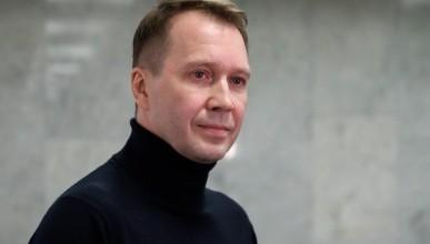 СМИ: Суррогатная мать родила сына одинокому Евгению Миронову