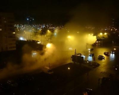 Улицы Петербурга залило потоками кипятка и грязи