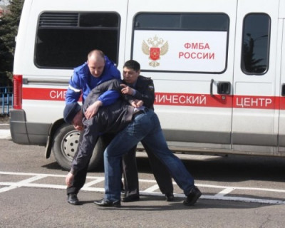 В Петербурге врача взяли в заложники