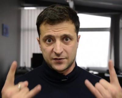 В Сети набирает популярность ролик, где Зеленский в гробу хоронит Порошенко (ВИДЕО)