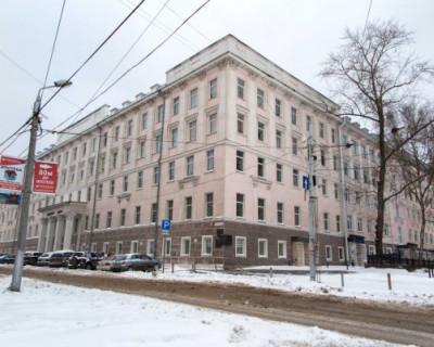 Люди прыгают из окон, спасаясь от пожара в бизнес-центре в Перми (ШОКИРУЮЩИЕ ВИДЕО)