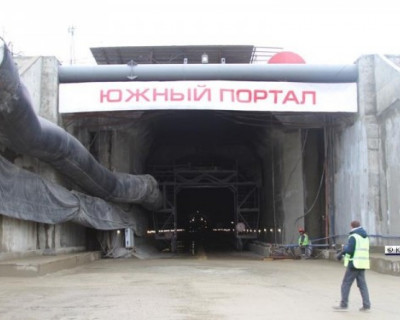ФОТО и ВИДЕО тоннеля на подходе к Крымскому мосту
