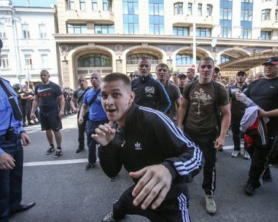 Киев в страхе держат банды малолеток (ВИДЕО)