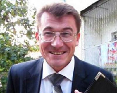 Видео того, как севастопольский «общЫственник» Комелов «вербует» молодую маму для дачи ложных показаний