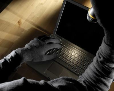 Крымчанин украл из помещения церкви 6 ноутбуков и кроссовки