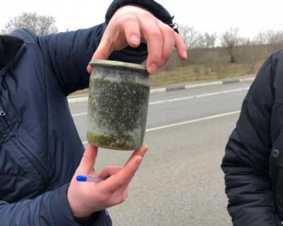 В Крыму задержали машину с черной икрой (ФОТО)