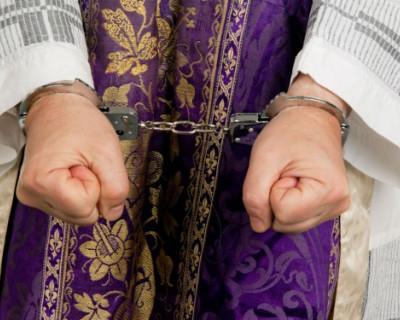 Католическая церковь покупает право на педофилию