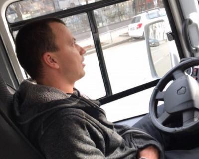 «Заставлял сложить коляску и вытащить ребёнка!» Севастопольцы жалуются на водителей маршруток (ФОТО)